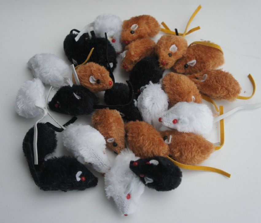 BARGAIN PACK CATNIP CAT KITTEN TOYS 25 X RATTLE SMALL FAUX FUR CATNIP MICE